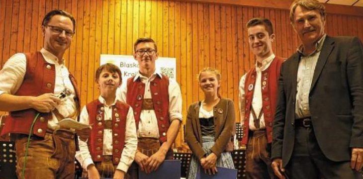 Blaskapelle ehrt drei junge Musiktalente