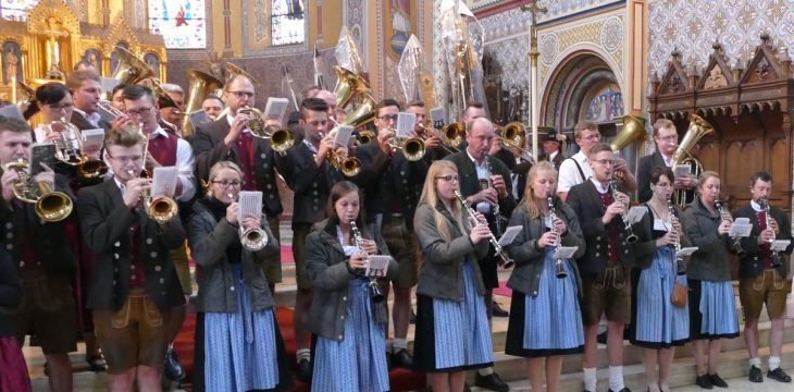 Live-Mitschnitt der Blaskapelle Kraiburg für den Gottesdienst